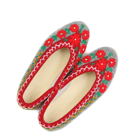 Polish felt slippers - size 38