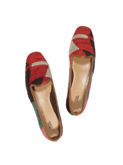 handmade in Turkey, turkish kilim slippers, kilim shoes, handmade, traditional kilim shoes, wool slippers, wool kilim, kilim carpet, handmade shoes, bohemian shoes, ETHICAL FASHION, CRAFTSMANSHIP, SUSTAINABLE FASHION, TRADITIONAL FASHION, ETHNIC FASHION