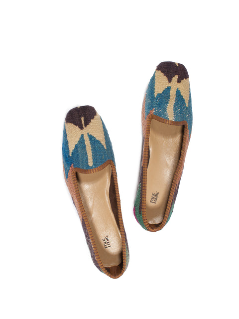 handmade in Turkey, turkish kilim slippers, kilim shoes, handmade, traditional kilim shoes, wool slippers, wool kilim, kilim carpet, handmade shoes, bohemian shoes, ETHICAL FASHION, CRAFTSMANSHIP, SUSTAINABLE FASHION, TRADITIONAL FASHION, ETHNIC FASHION, BOHEMIAN FASHION, traditional fabric, carpet shoes, scarpe di kilim turche, scarpe di kilim tradizionali, kilim antico, scarpe turche, fatte a mano, scarpe di lana, tessuti tradizionali, MODA ETICA