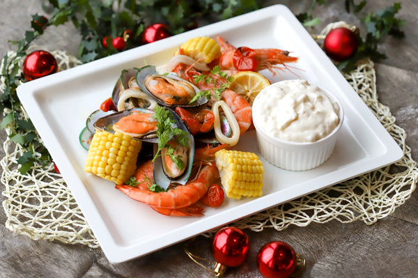42. MEDLEY OF SEAFOOD WITH VEGETABLES & ONION BUTTER SAUCE (SERVE 4-6 PAX)