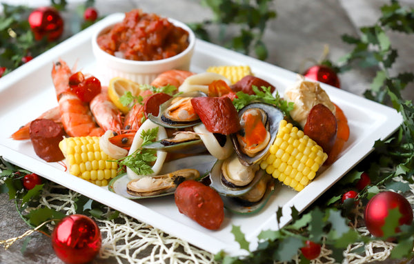 43. MIXED OF SEAFOOD & CHORIZO WITH SPICED TOMATO SAUCE (SERVE 4-6 PAX)