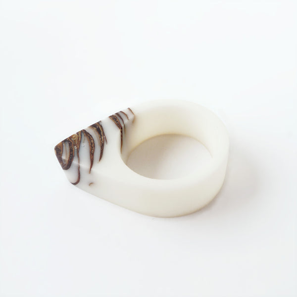 White bio resin and pinecone ring - Hidden Garden jewelry  - 4