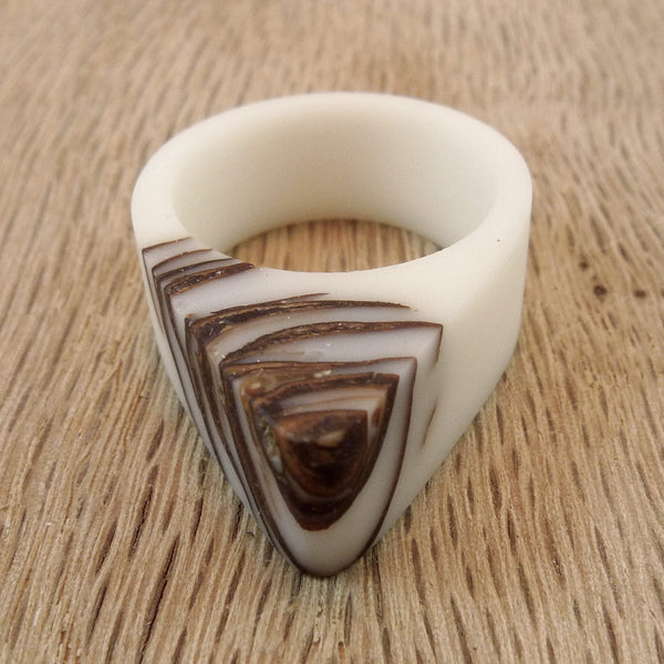 White bio resin and pinecone ring - Hidden Garden jewelry  - 5
