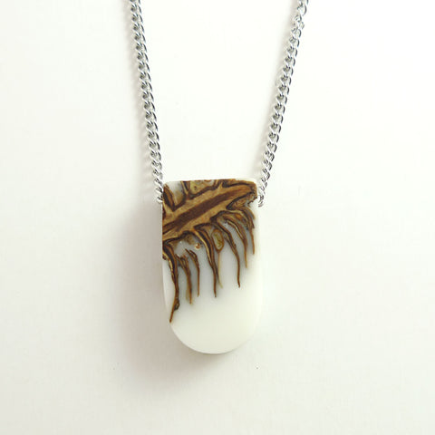 Real pinecone in white resin, sustainable jewelry - Hidden Garden jewelry  - 1