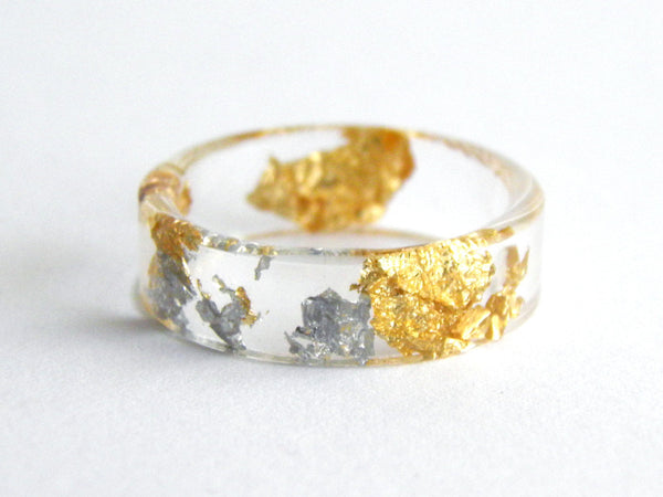Thin Fancy Resin Ring / Size 9