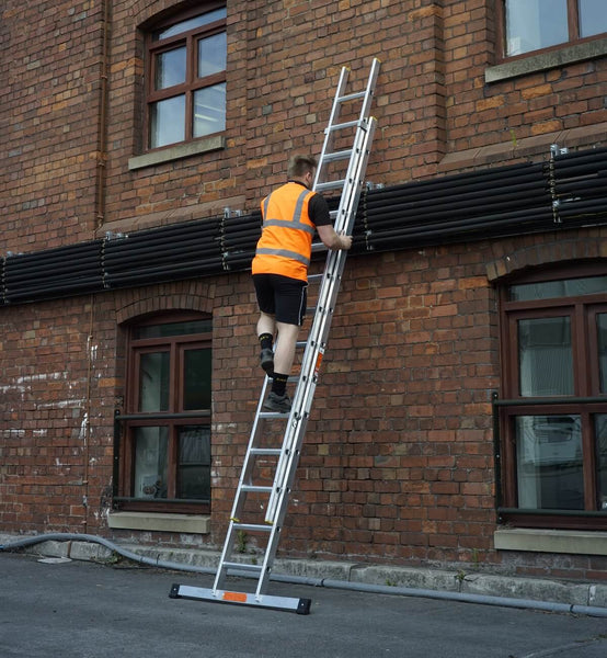 Professional trade extension ladder