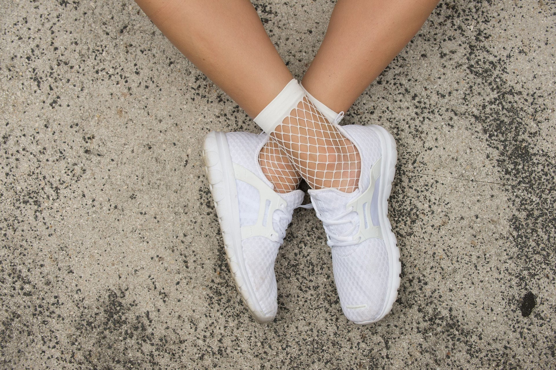 White Fishnet Ankle Socks - Cali Diamond
