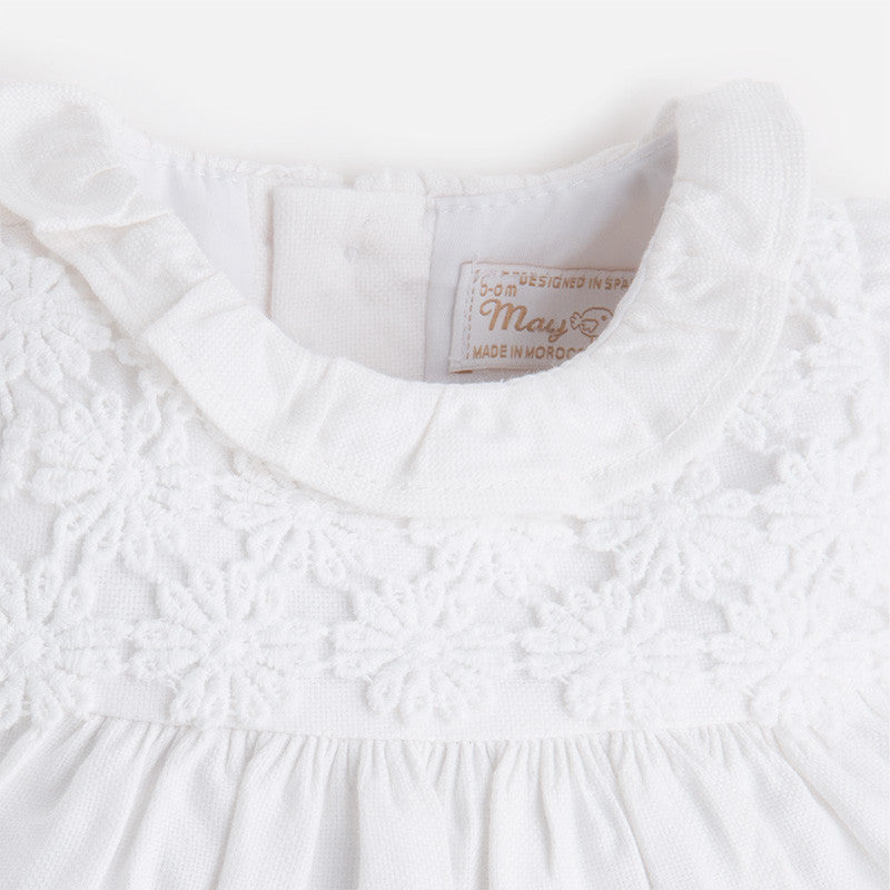 Baby dress with knickers and bonnet-white