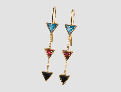 AE3 - Athena Gold earring with natural stones