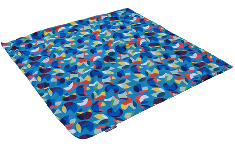 Pacmat picnic blanket with iconic design and beautiful gold base original family gold gumiabroncs Images