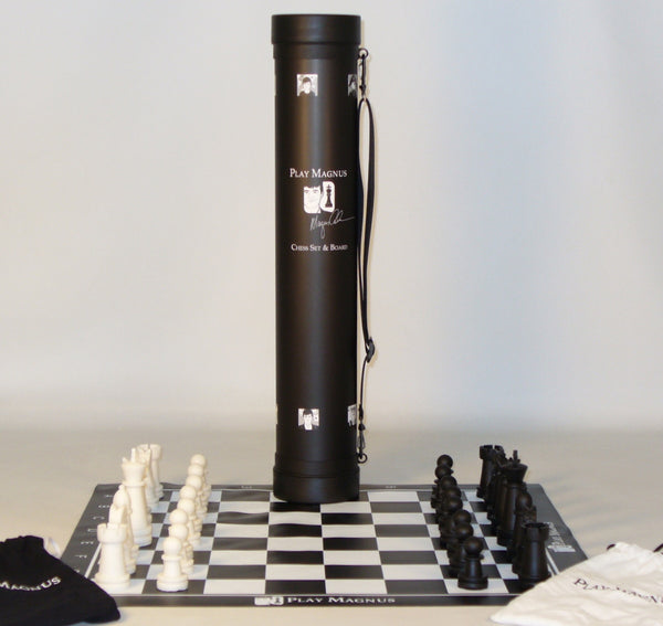 Magnus Carlsen Chess Set - ChessWarehouse - 1