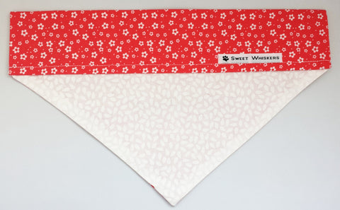 Bandana - red/white with flowers