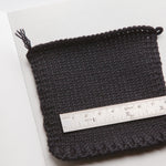 10 cm2 knitted on machine with 1 strand