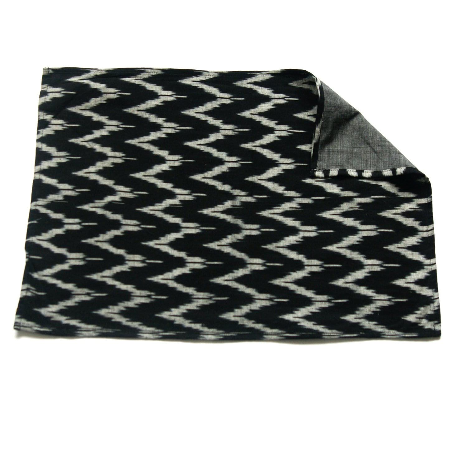 Placemat Handwoven Black White and Grey Zig Zag