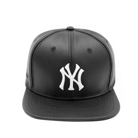 NEW YORK YANKEES LOGO (Black Leather)