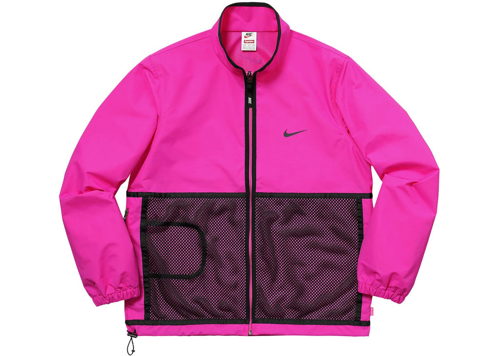 Nike women's windbreaker jackets and vests are engineered to provide warmth and protection against the elements while remaining slim fitting and giving you a full range of motion. This ensures that you'll look great and have a great workout, match or round.