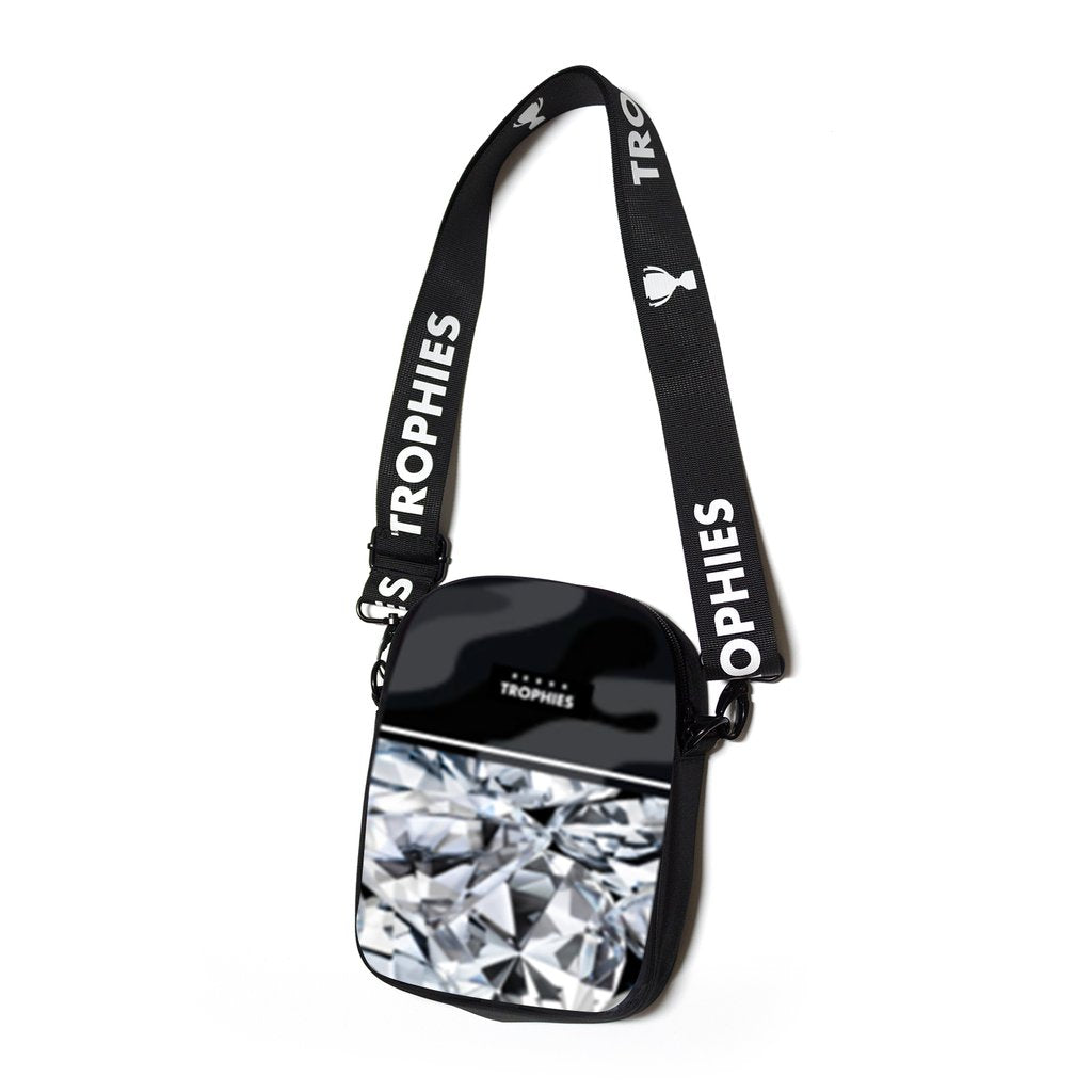DIAMOND SLING BAG