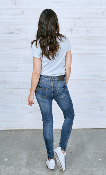 Lauren Vintage Mid-Wash Jeans | Ripped