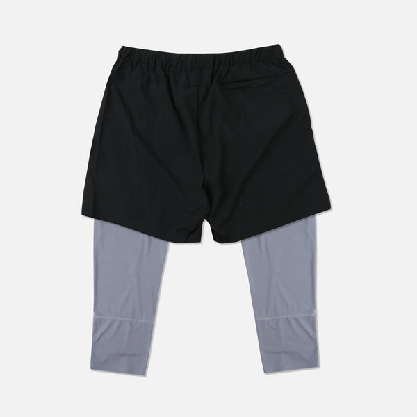Wolves 3/4 Length Compression Shorts in Black/Gray