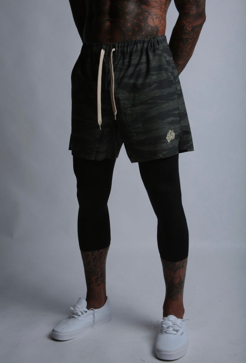 Wolves 3/4 Length Compression Shorts in Wolf Camo/Black