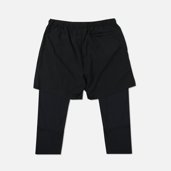 Wolves 3/4 Length Compression Shorts in Black/Black