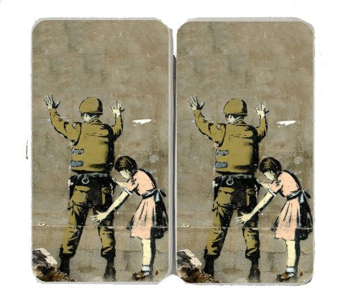 Soldier PAT Down By Little Girl - White Taiga Hinge Wallet Clutch