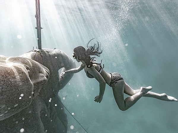 Freediving a 60 Ton Statue in the Bahamas with Jenna Martin