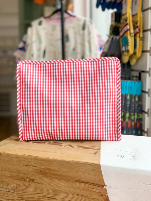 Roadie Medium - Red Gingham