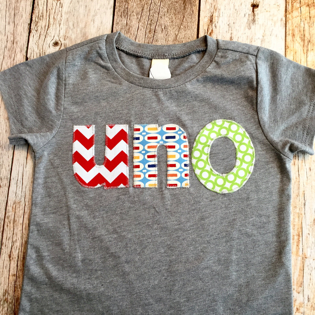 Uno primer cumpleaños Birthday Shirt 2nd Birthday feliz uno tres quatro spanish espanol aqua chevron on heathered grey tshirt