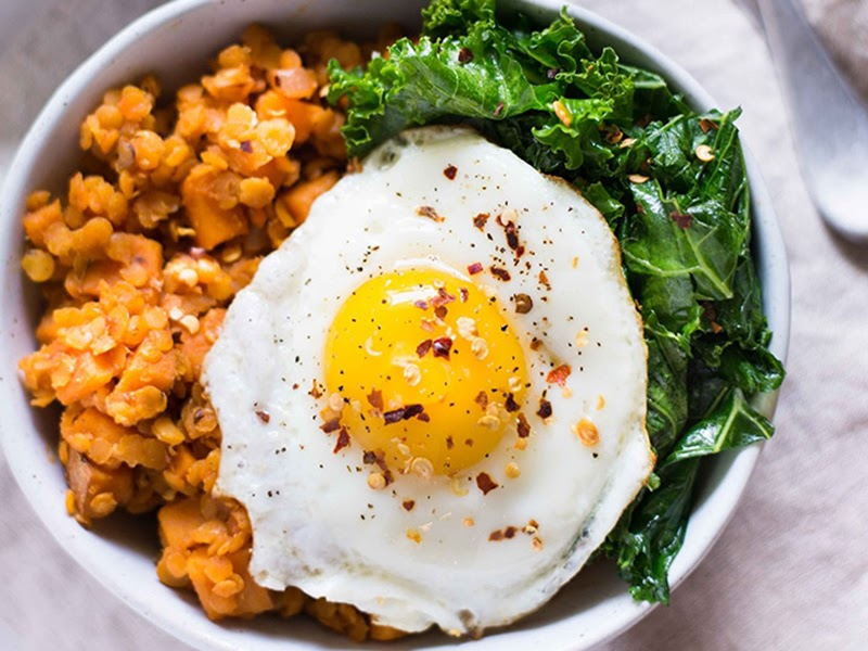 High protein meals: sweet potato and lentil hash with garlic sauteed kale