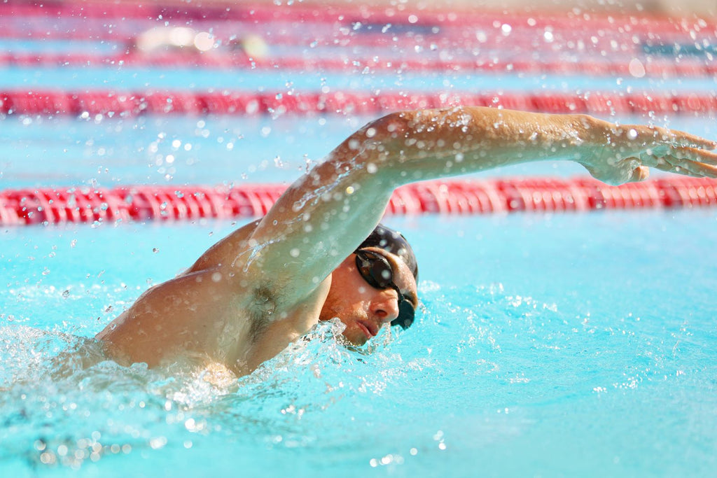 Muscular endurance: Athlete swimming laps