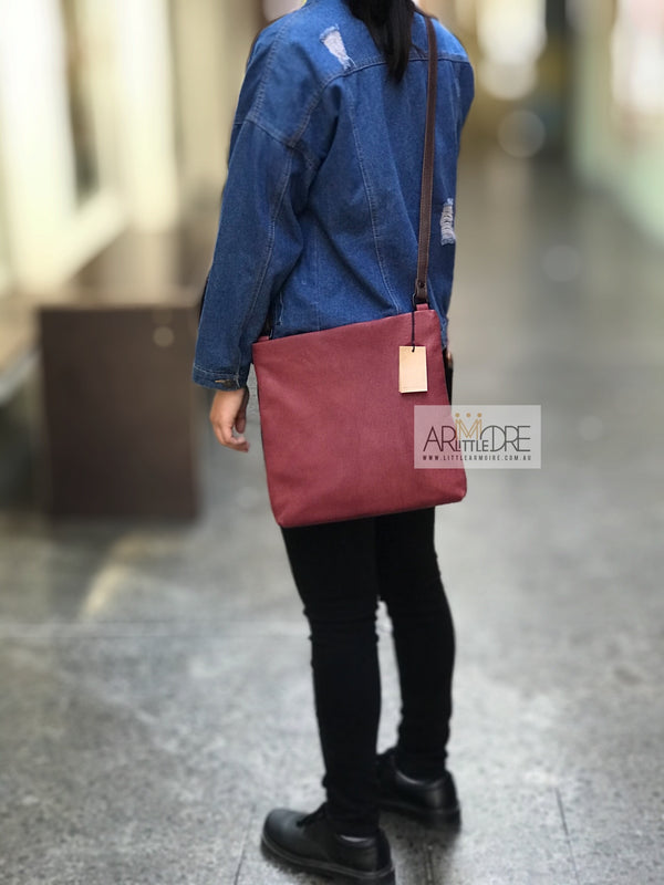 Rugged Hide Sydney RH-3013 Cross Body Leather Bag - Little Armoire - Online Leather Goods Store Australia