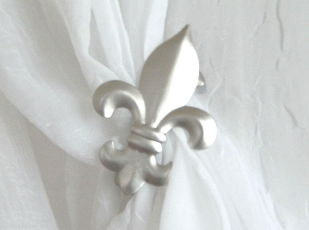 Fleur de Lys Clip - Satin Silver ( pair) - Sheer Ideas