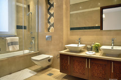 Modern Islamic - show home - Master bathroom