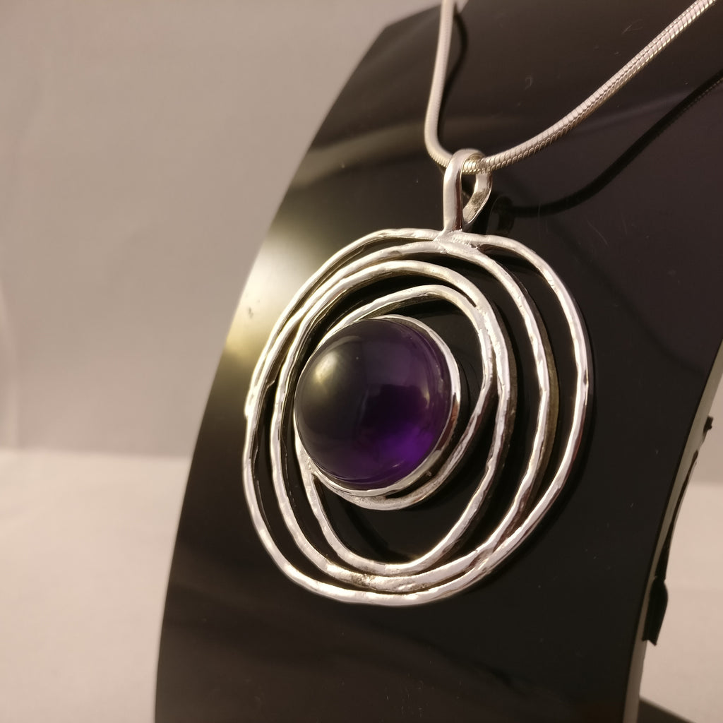 Amethyst in Hammered Spiral | 925 Sterling Silver Pendant