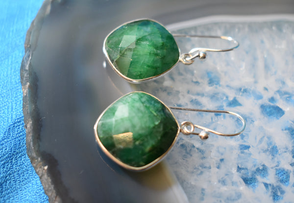 Emerald Faceted Diamond Earring (925)