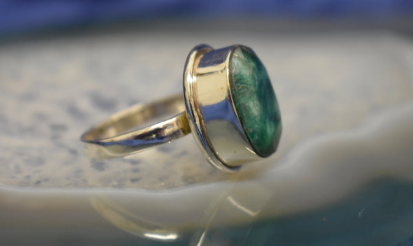 Plain Emerald Ring