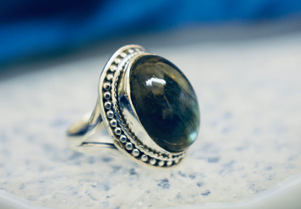 Dotted Labradorite Ring