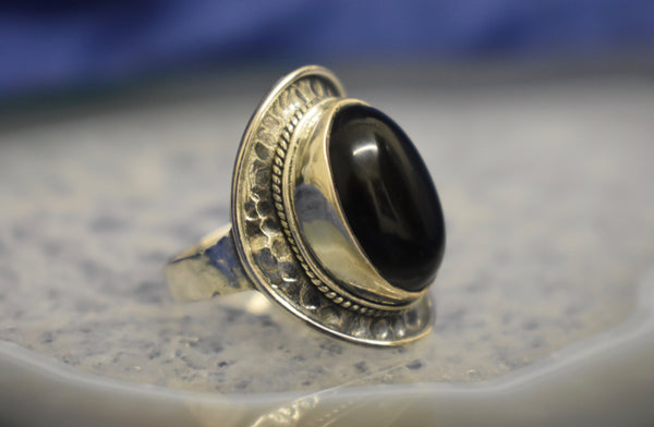 Hammered Setting Onyx Ring