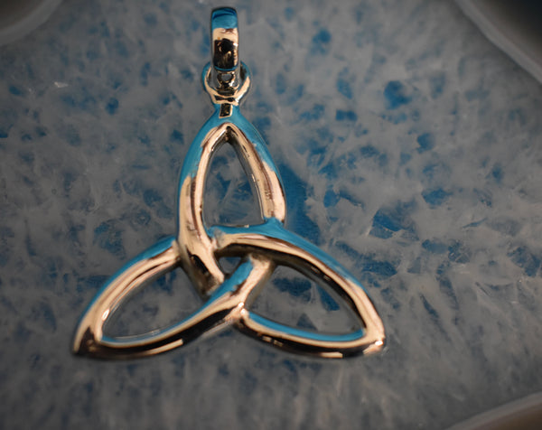 Sterling Silver Celtic Triangle Triquetra Pendant (925)