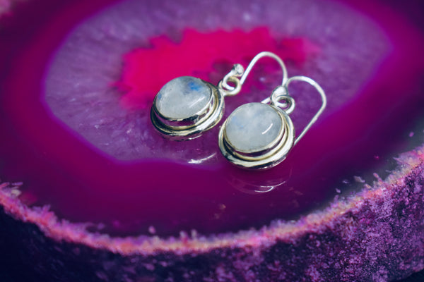 Plain Circle Moonstone Earrings