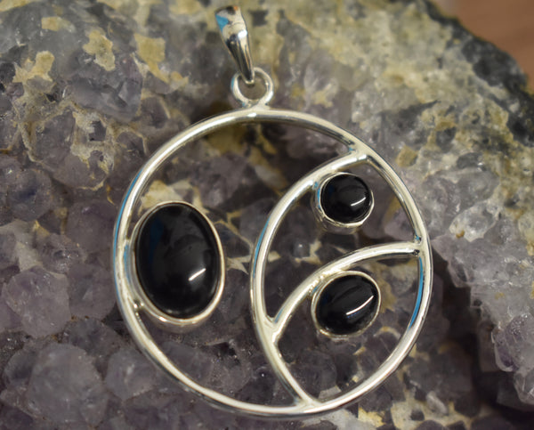 Sterling Silver Circle Stoned Pendant (925)