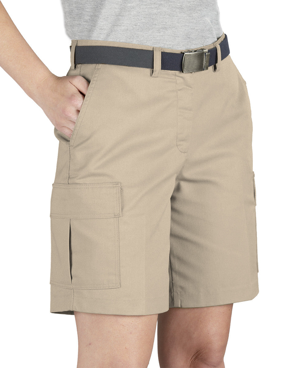 Tan Women's Cargo Shorts Shown in UniFirst Uniform Rental Service Catalog