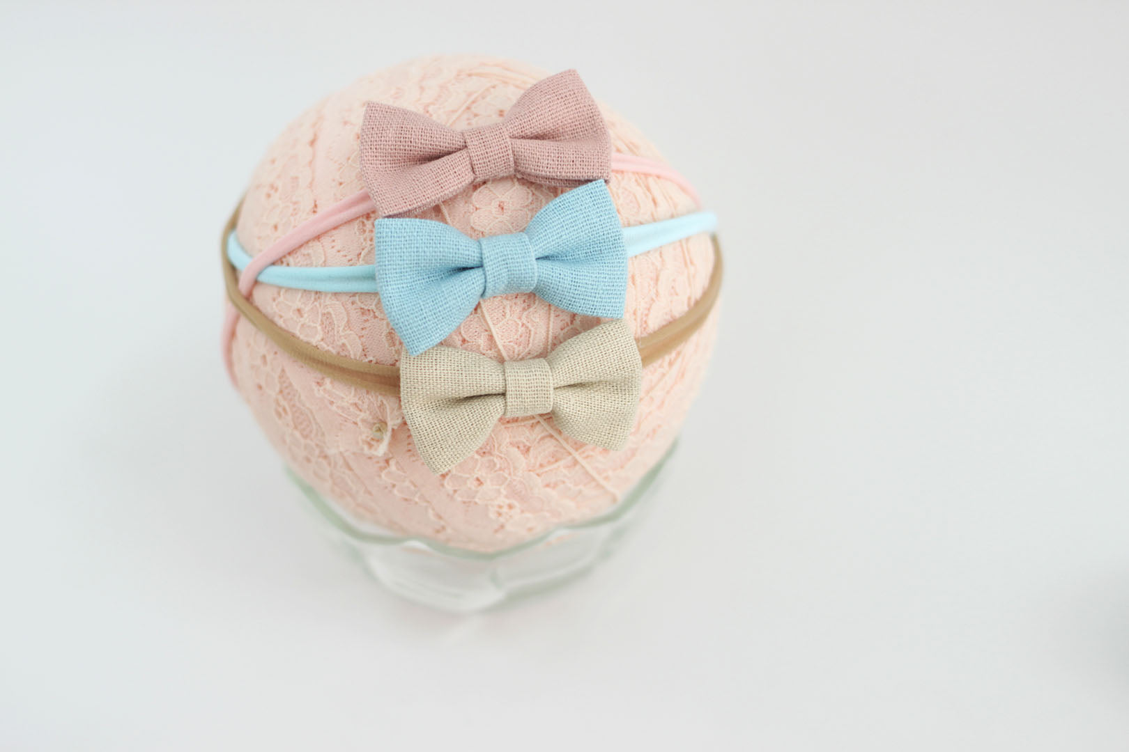 Newborn must have bow - Linen