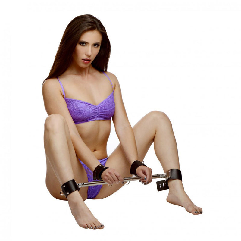 Adjustable Swiveling Spreader Bar with Leather Cuffs