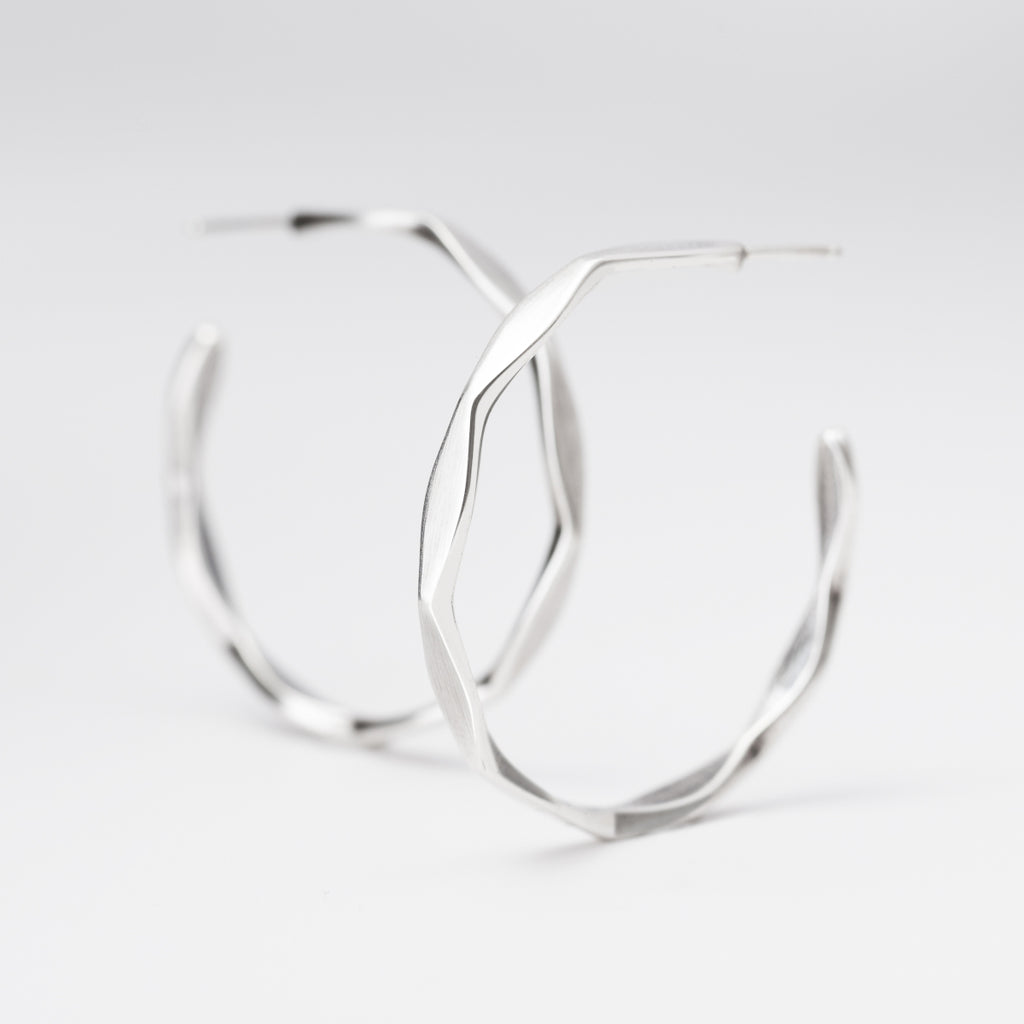 Linnea Medium Hoops