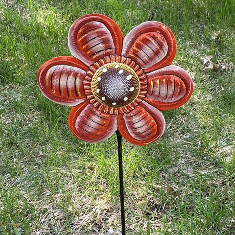 Oil Drum Daisy Garden Stake