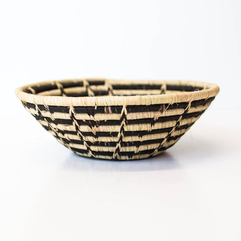 Black & White Star Grass-woven Basket