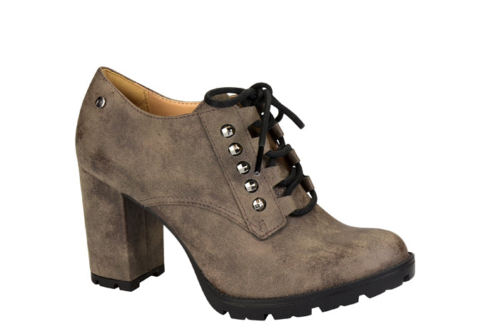 Brown vintage lace up ankle bootie | medium block heel