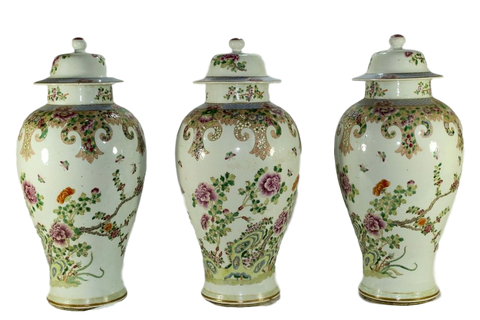 China Vases 18th Century Chinese Export Five-Piece Famille Rose Porcelain Garniture Of Vases